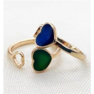 heart ring changing colors by temperature